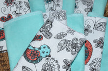 Load image into Gallery viewer, Paperless Towels-Birds and Blooms, Aqua
