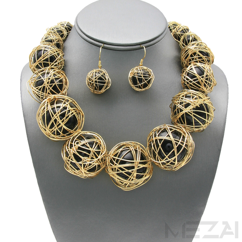 Zari Pearl Necklace Set (Black & Gold)