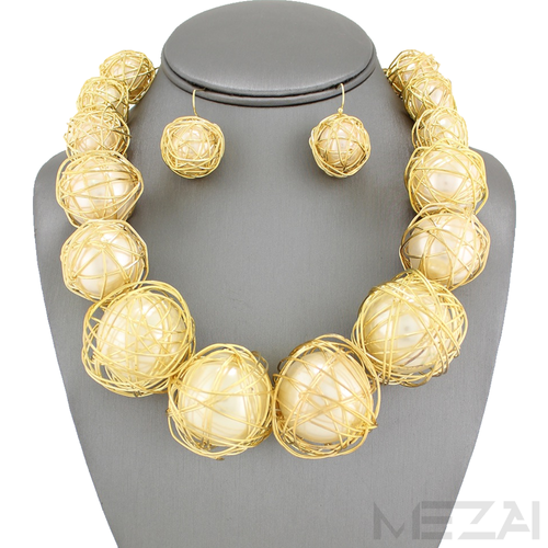 Zari Pearl Necklace Set (White & Gold)