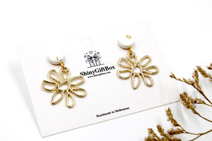 Small Gold Daisy / Flower Dangle