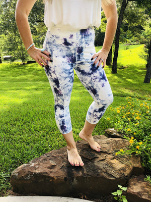 Athletic Pocket Capri Leggings - Sky Tie Dye
