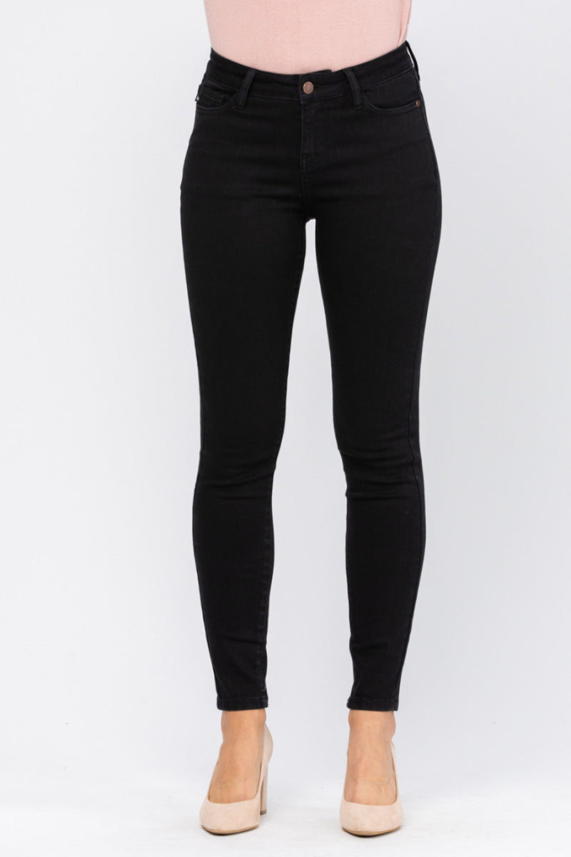 Judy Blue Mid Rise Non Distressed Black Skinny Jeans 8883