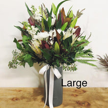 Load image into Gallery viewer, Vase Arrangement