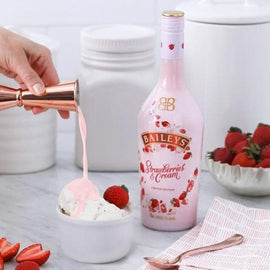Baileys Strawberry's & Cream 70cl