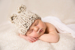 Bear baby hat- Oatmeal