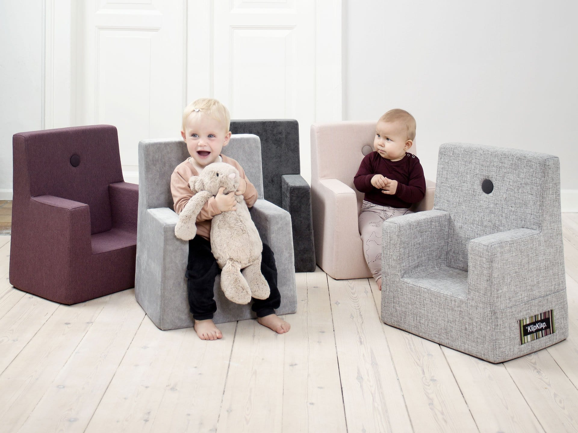 MULTI GREY W. GREY BUTTONS KID SOFA CHAIR