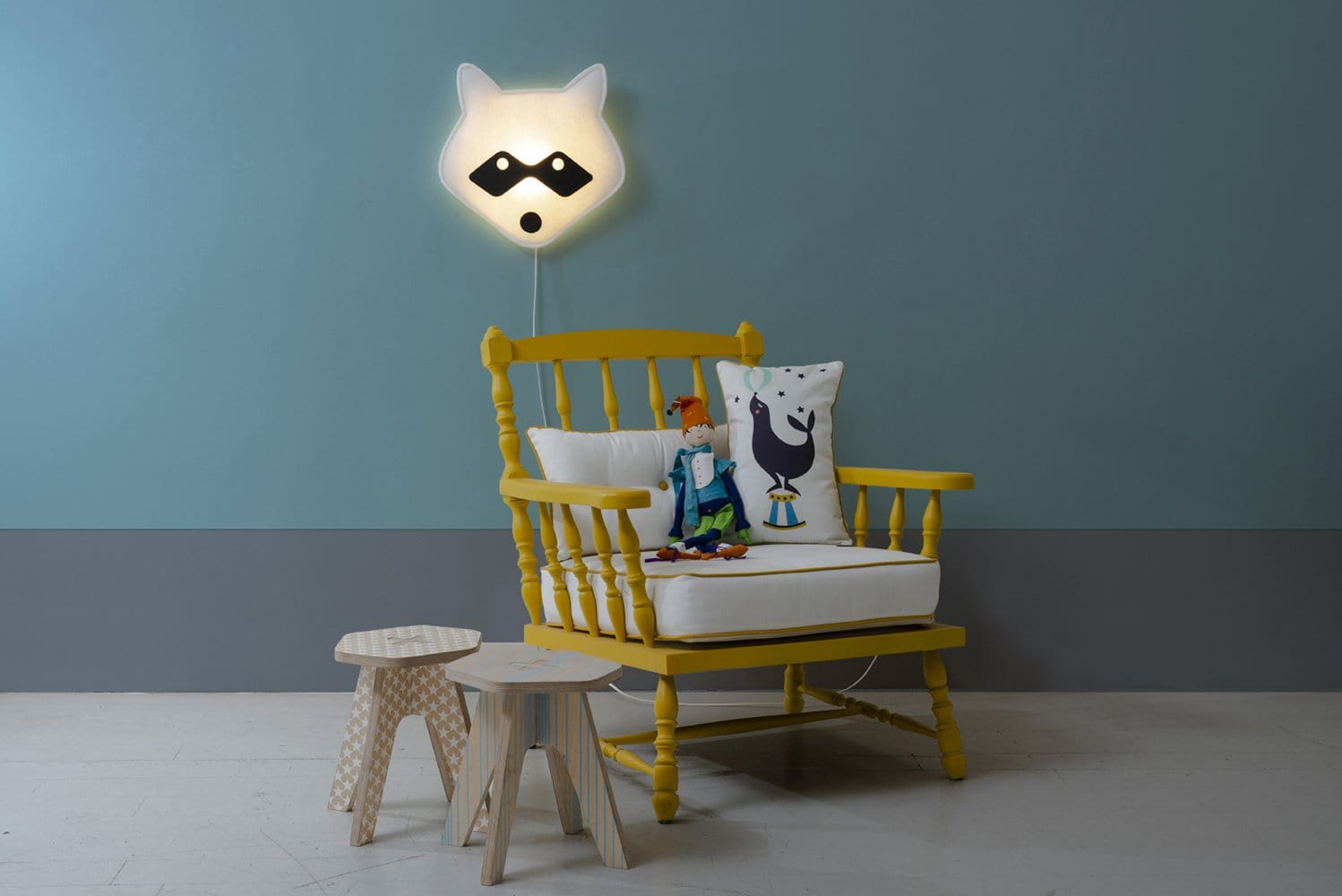 Raccoon Wall Lamp Black