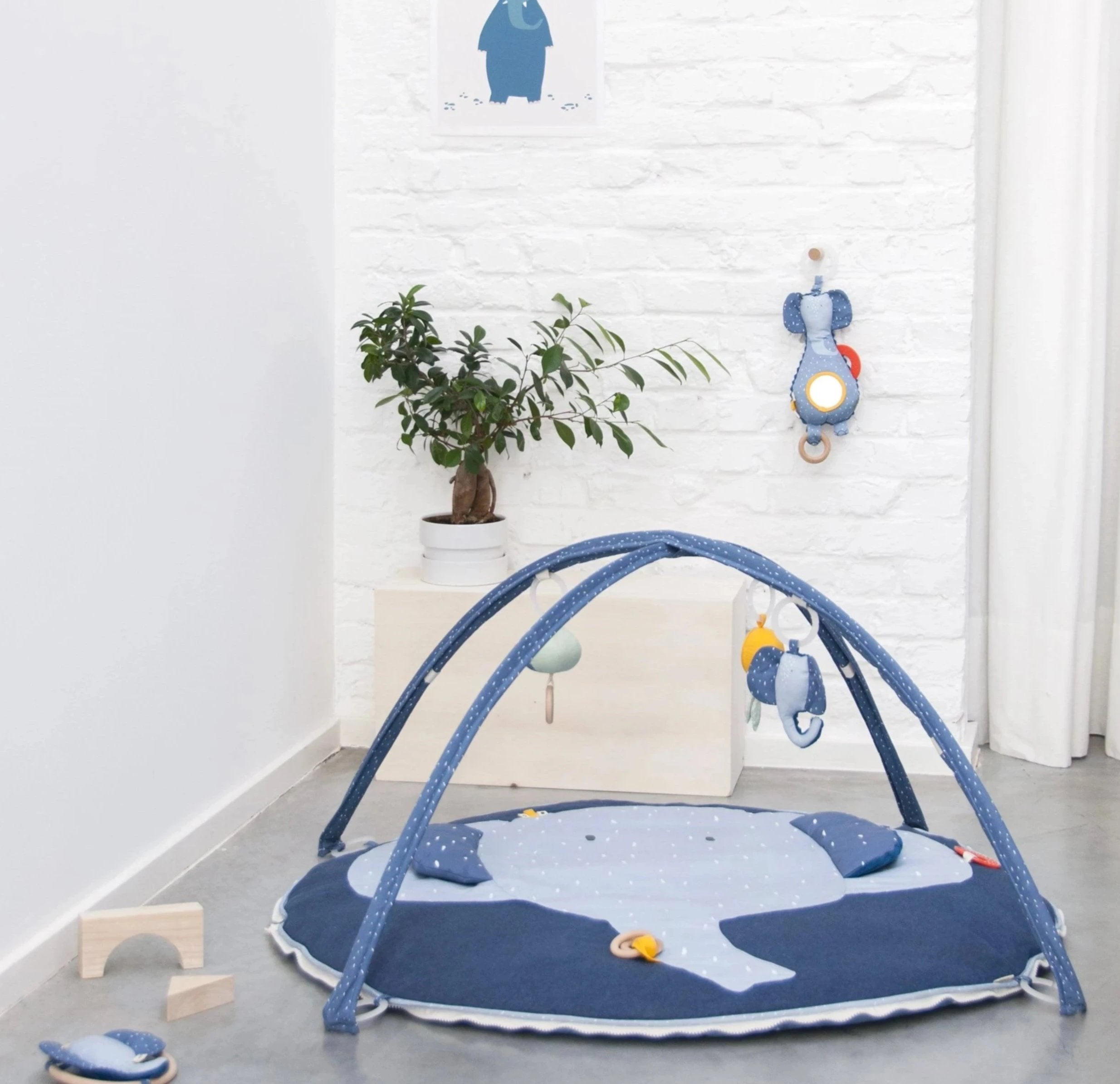 Toy range | Activity play mat with arches - Mrs Elephant