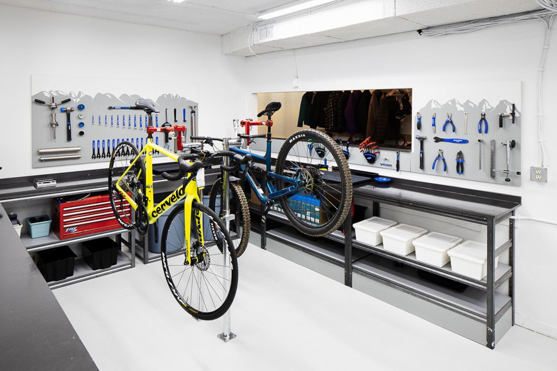 Road Bike and Mountain Bike Repair Shop - Bicicletta