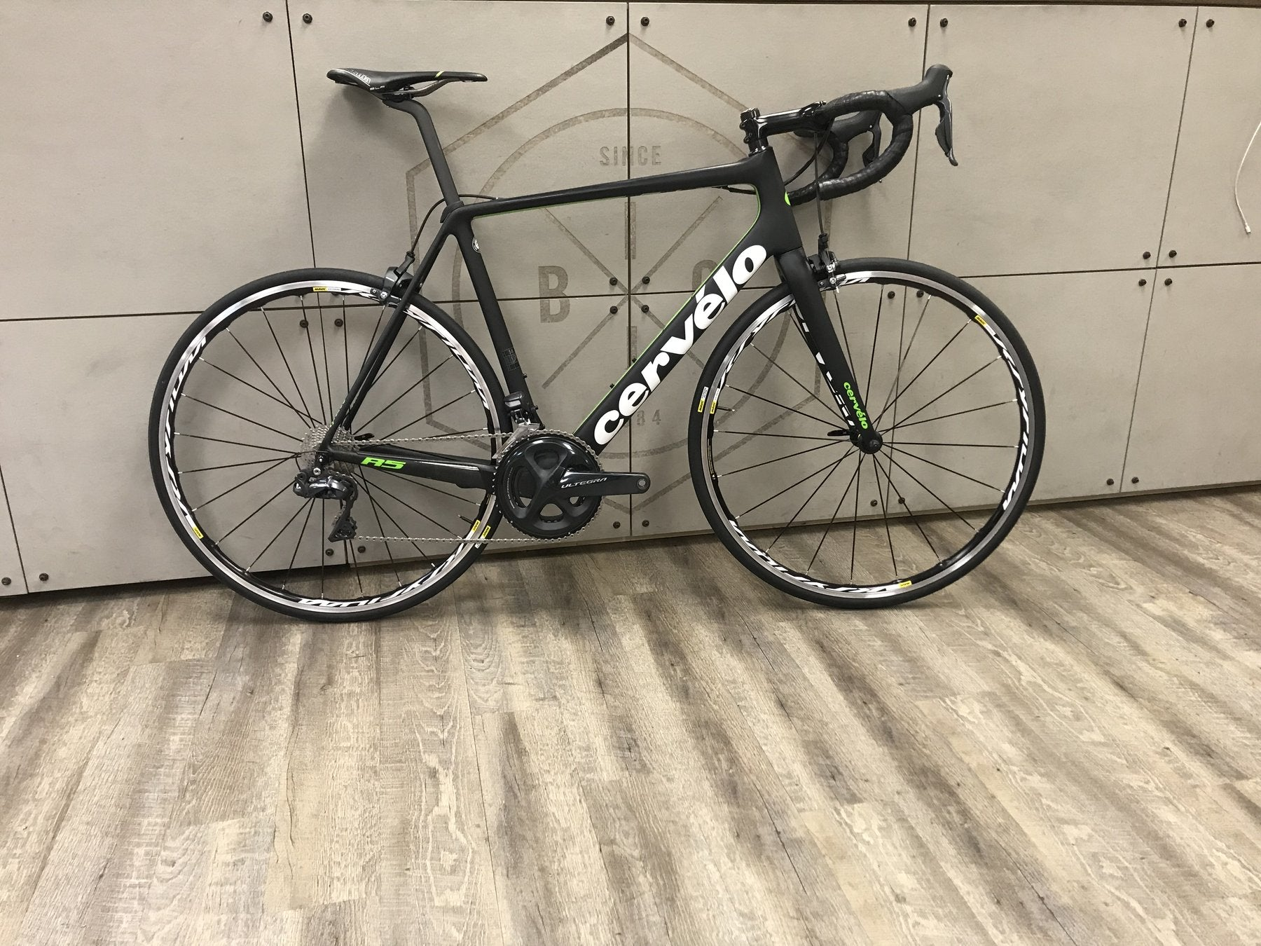 2018 Cervelo R5 Road Bike - Demo Bike - great sale