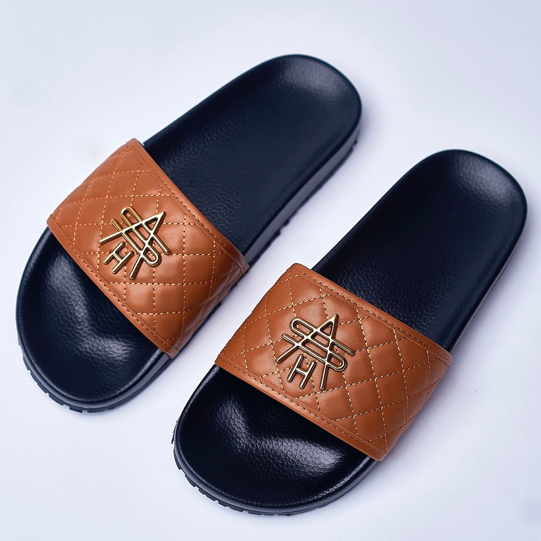 BROWN QUILTED LEATHER SLIDES