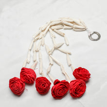 Load image into Gallery viewer, Eco-Friendly One Feet Lilly Garlands With Rose