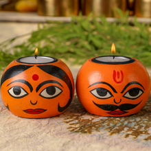 Load image into Gallery viewer, HandPainted Boy and Girl Tealight Holders(Set of 2)