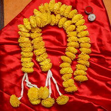 Load image into Gallery viewer, Eco-Friendly Chrysanthemum Garlands(Setof 2)