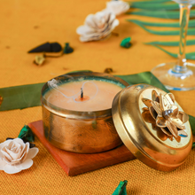 Load image into Gallery viewer, Indian Jasmine Scented Candle