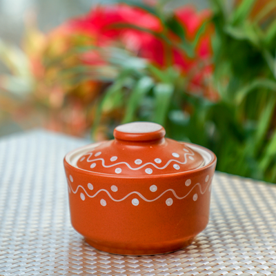 Organic Clay Bowl With Lid