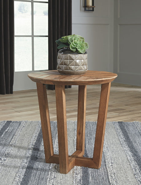 Kinnshee - Brown - Round End Table