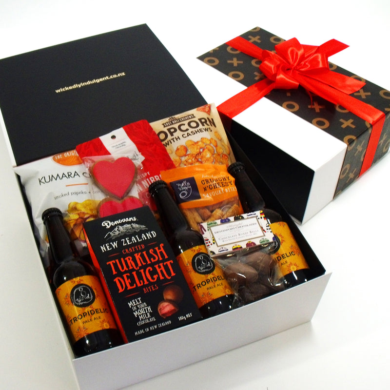 Valentines Day Gift Hamper for Him with Gingerbread hearts, Beer , chocolate & Snacks.