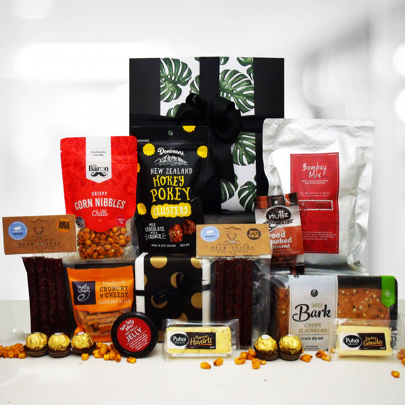 The venison gourmet gift hamper with NZ vension salami, beer infused jelly, cheese, chocolate and more presented in a modern gift box.