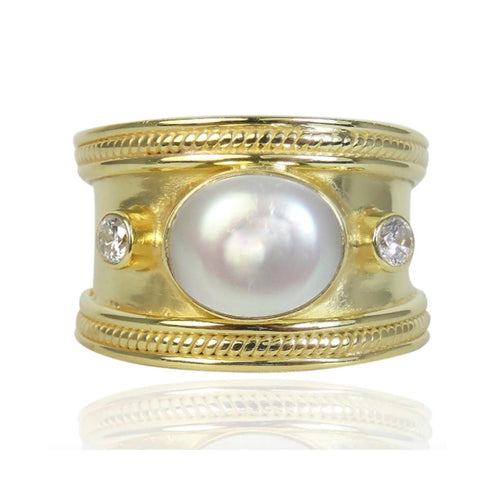 The Fabulous Pearl Guinevere Ring