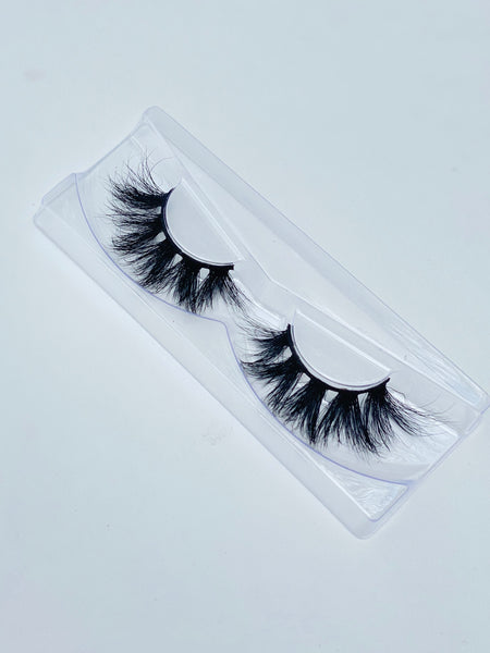 RISKY LUXURY LASHES