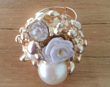 Load image into Gallery viewer, Pearl Flower Rings With Stones