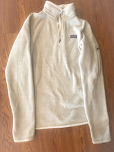 Load image into Gallery viewer, Women's Medium PATAGONIA Fleece Jacket