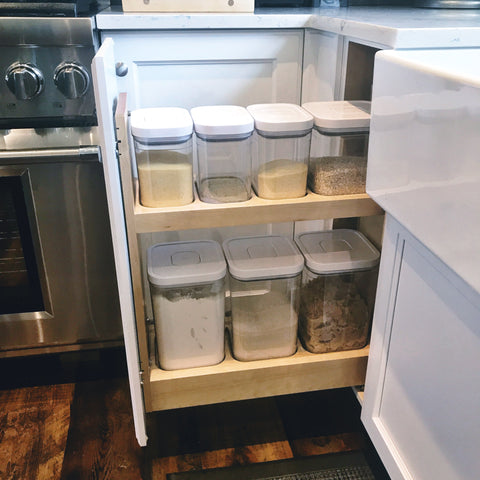 Kitchen cabinet, ingredient organizer