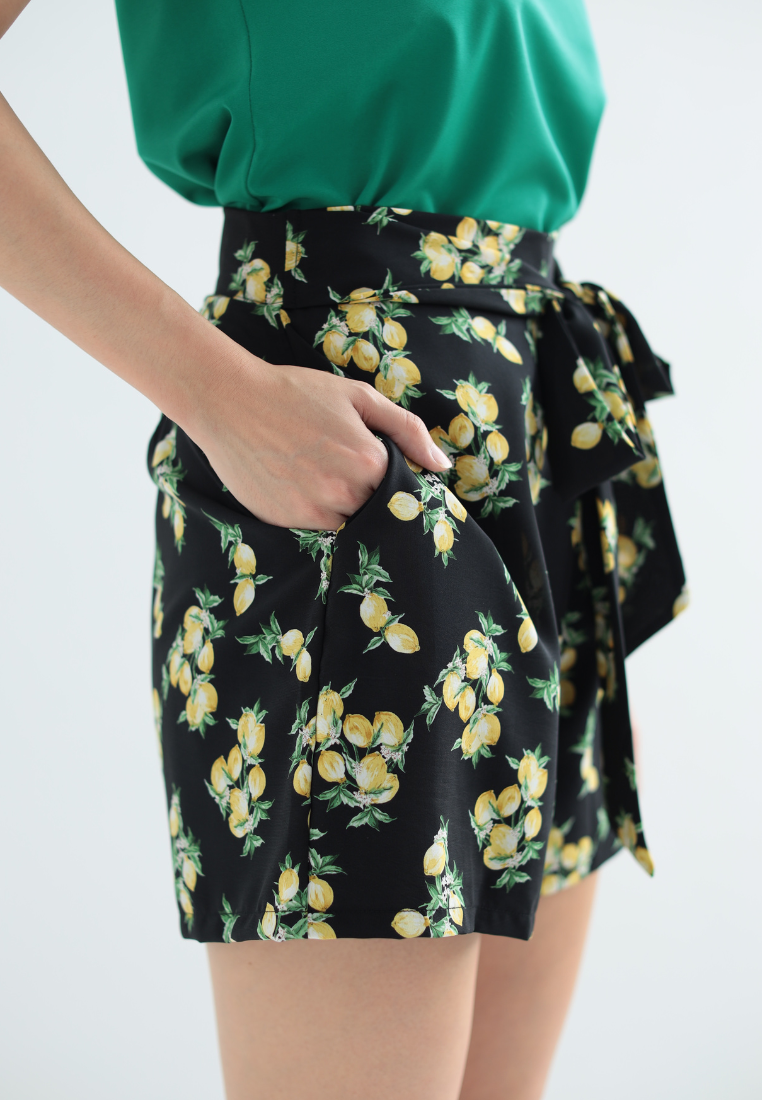 Lemony Self Tie Shorts (Black)