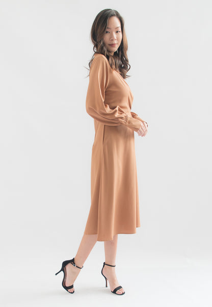 Ivern Long Sleeve A-line Dress (Brown)