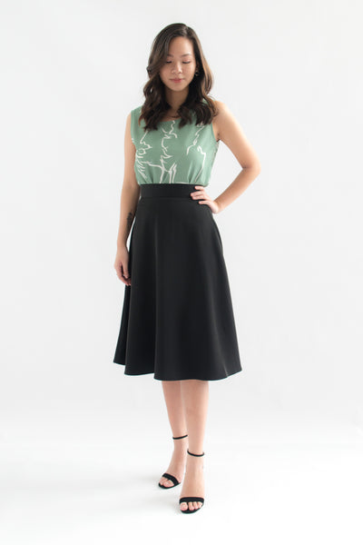 Gracelyn Solid Flare Skirt (Black)