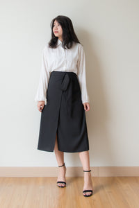 Laurel Front Slit Pencil Skirt (Black)