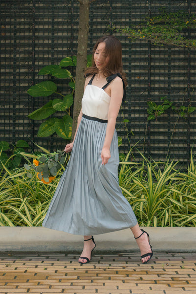 Orianna Pleated Midi Dress (Blue)