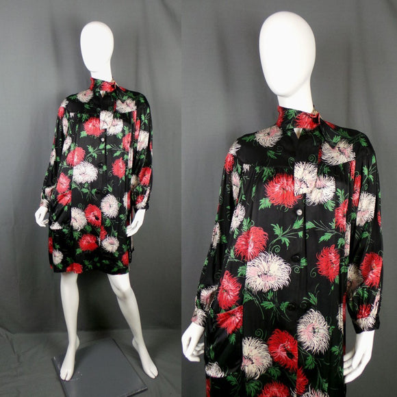 1950s Black Satin Fleece Lined Chrysanthemum House Coat, 50in Bust