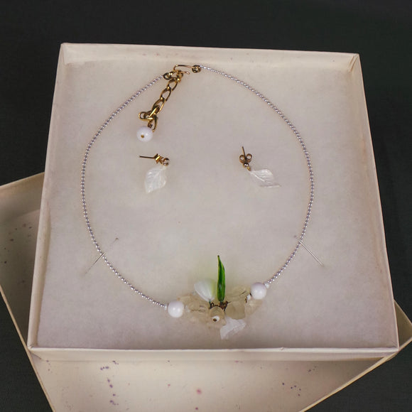 1960s White and Green Glass Floral Leaf Necklace and Earring Set, by Daisy Chain of Cambridge
