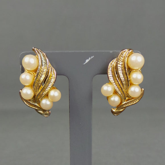1950s Gold and Pearl Leaf Clip On Earrings