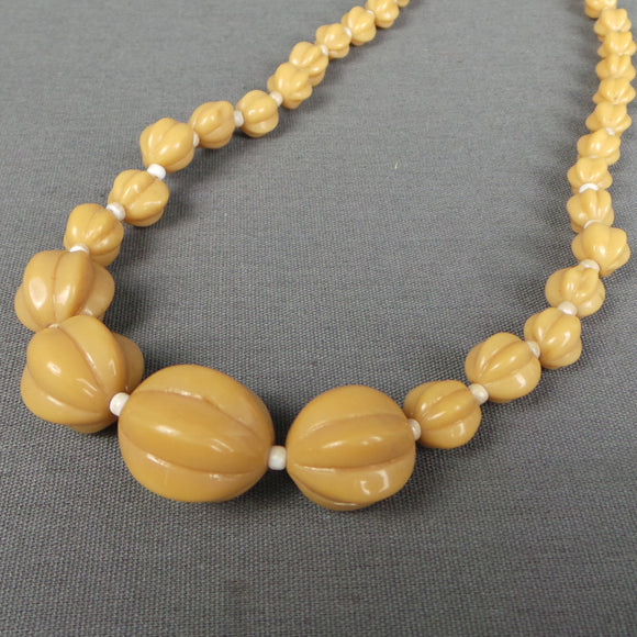 1950s Chunky Tan Shaped Bead Necklace