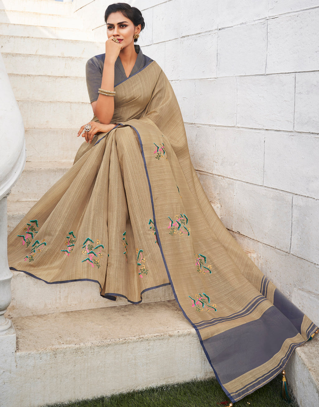 Cream Color Banarasi Cotton Silk  Sarees For Newly Wedded NYF-5707