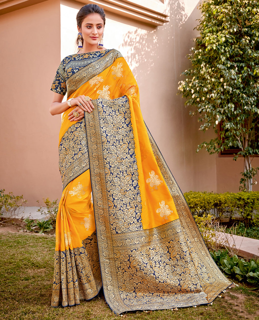 Yellow Color Weaving Silk Splendid Wedding Function Sarees NYF-8706