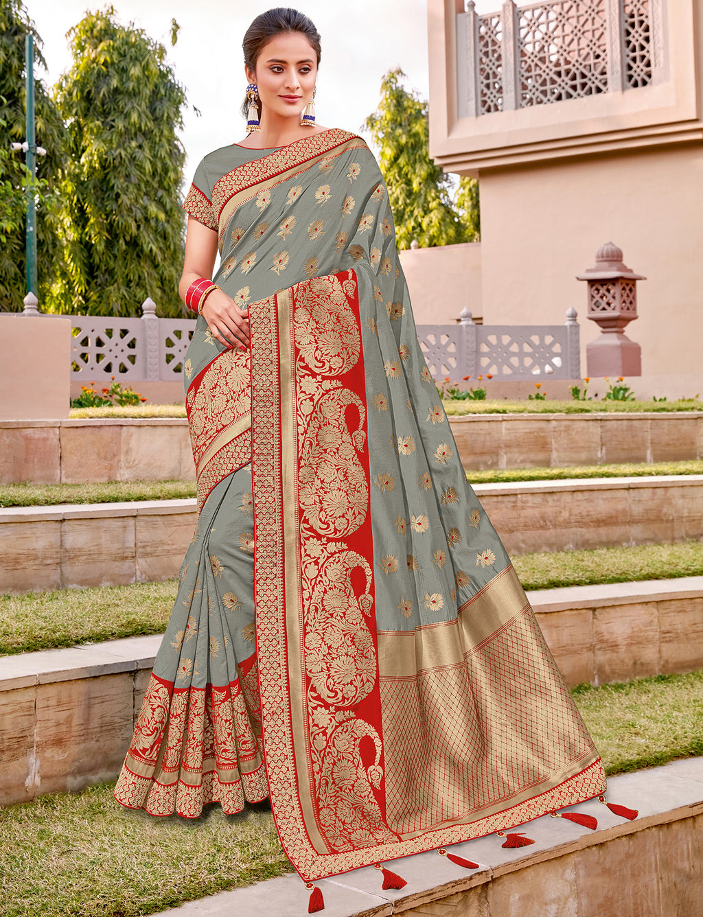 Grey Color Weaving Silk Splendid Wedding Function Sarees NYF-8715