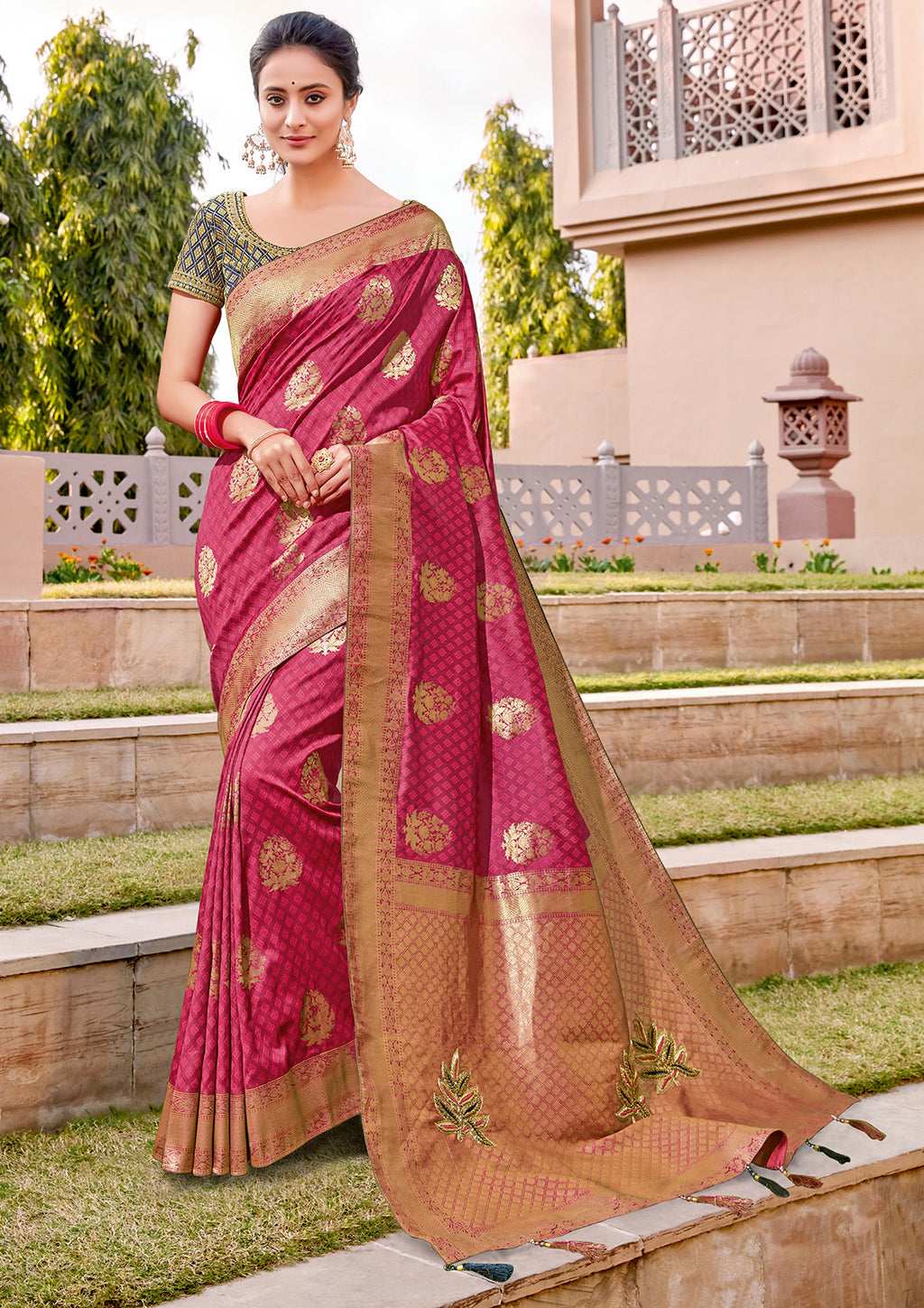 Pink Color Weaving Silk Splendid Wedding Function Sarees NYF-8717