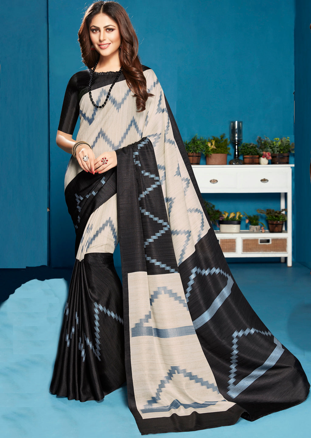 Black Color Crepe Dazzling Party Wear Sarees NYF-5292