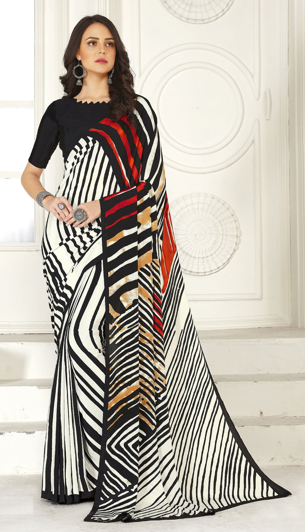 Black & White Color Crepe  Kitty Party Sarees NYF-8028