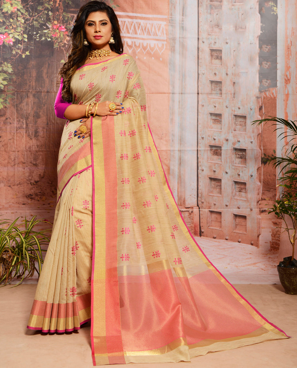 Cream Color Cotton Elegant Function Wear Sarees NYF-7352