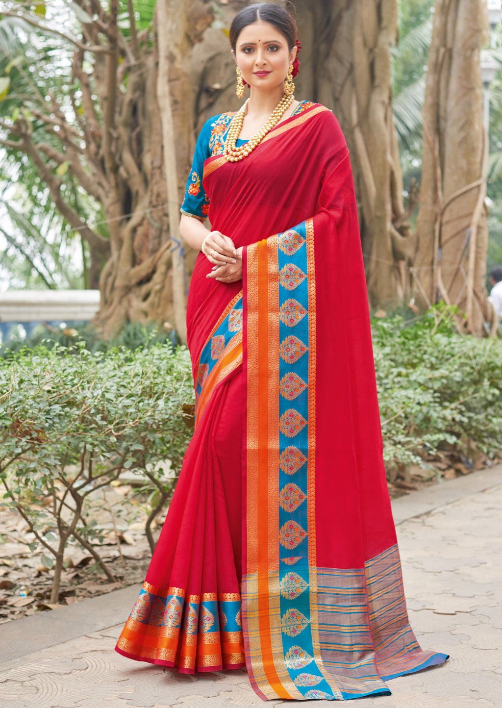 Red Color Handloom Silk Sarees With Beautiful Border For Religious Function NYF-7323