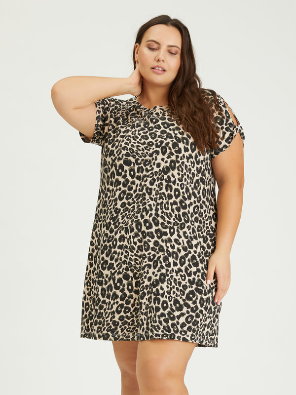 So Twisted T-Shirt Dress Classy Cat Inclusive Collection