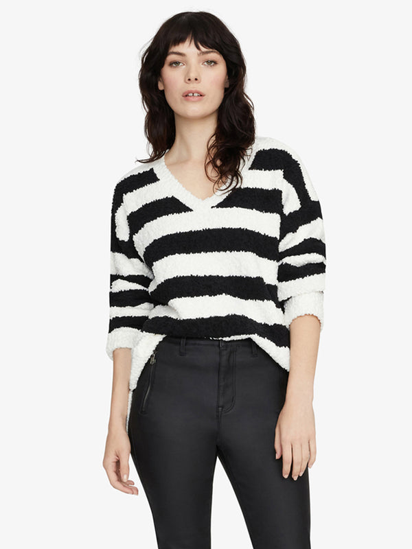 V-Neck Teddy Sweater Cloud with Black Stripe