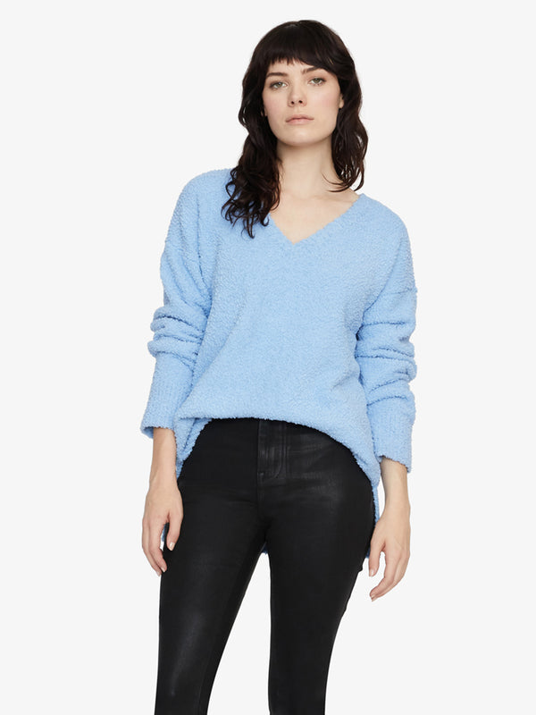 V-Neck Teddy Sweater Snow Light Blue