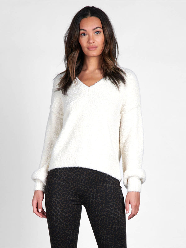 V-Neck Cozy Sweater Milk