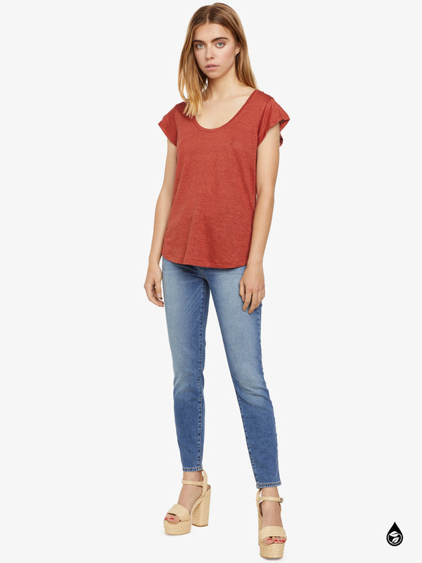 Ruby Scoop Tee Sedona